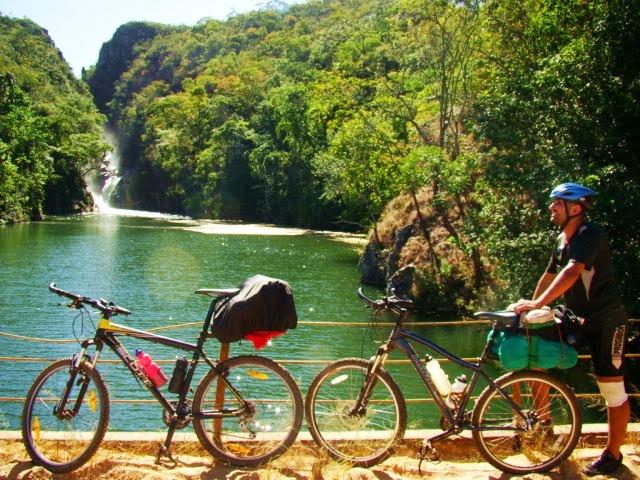 Resultado de imagem para Minas Gerais – Serra da Canastra passeio de bike
