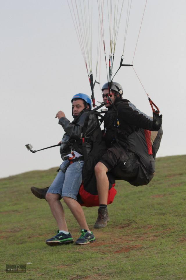 Aterrissagem de Parapente na Serra da Moeda