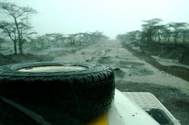Chuva no Quênia - Mundo Por Terra