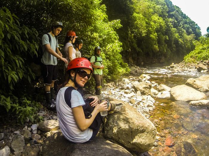 Pausa na Trilha do rio do Boi no Itaimbezinho