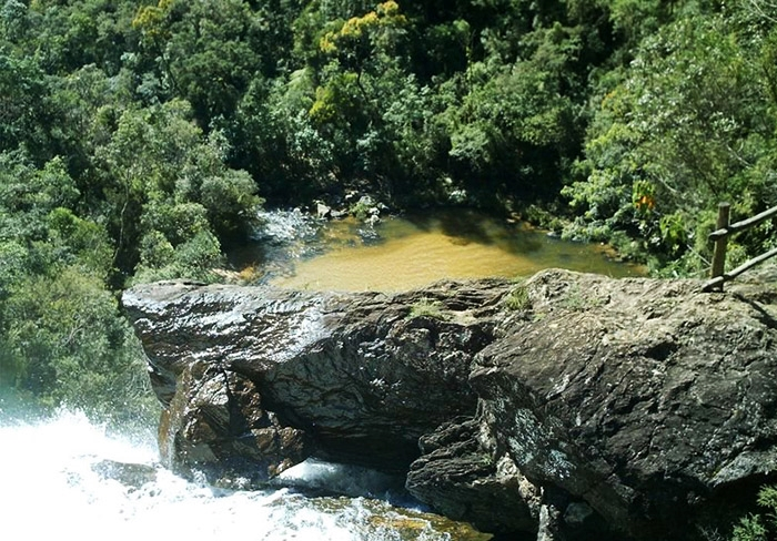 Poço da Cachoeira Santo Izidro - Trilha do Ouro